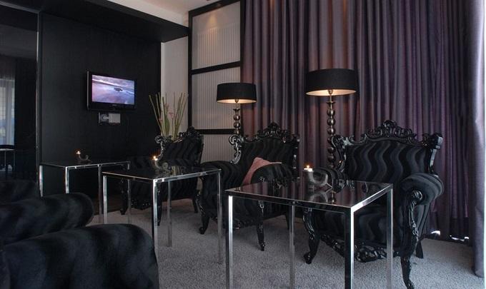 luxus und designhotels in m nchen wohnen mit klassickern. Black Bedroom Furniture Sets. Home Design Ideas