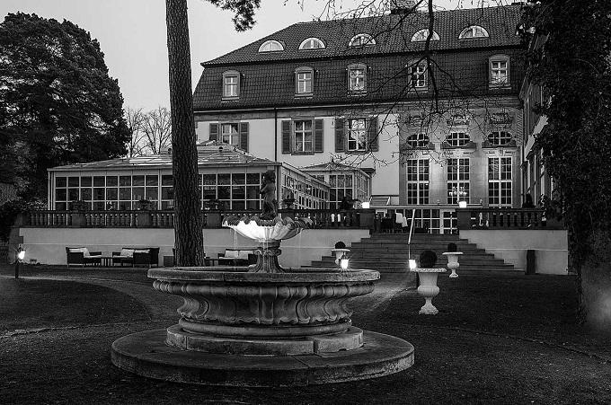 Das Schlosshotel Im Grunewald und Karl Lagerfeld  Das Schlosshotel Im Grunewald und Karl Lagerfeld Das Schlosshotel Im Grunewald und Karl Lagerfeld wohnenmitklassikern