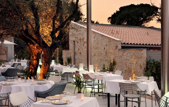 Hotel Sezz, Saint Tropez | Top 5 Luxusresorts nach Elle  Top 5 Luxusresorts nach Elle Hotel Sezz Saint Tropez Top 5 Luxusresorts nach Elle wohnenmitklassikern