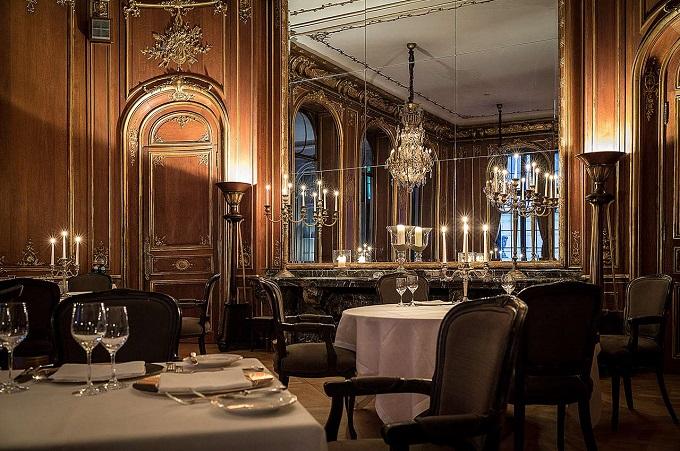 Vivaldi Restaurant | Das Schlosshotel Im Grunewald und Karl Lagerfeld  Das Schlosshotel Im Grunewald und Karl Lagerfeld vivaldi restaurant Das Schlosshotel Im Grunewald und Karl Lagerfeld wohnenmitklassikern