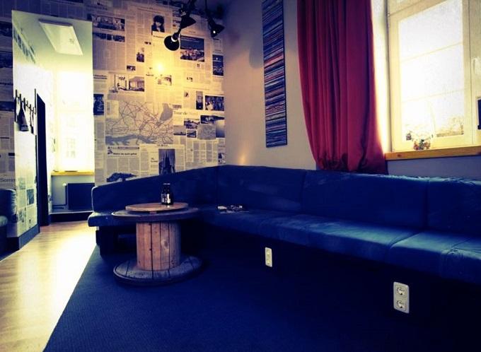 dreimeta innerachitektur awards wohnen mit klassickern. Black Bedroom Furniture Sets. Home Design Ideas
