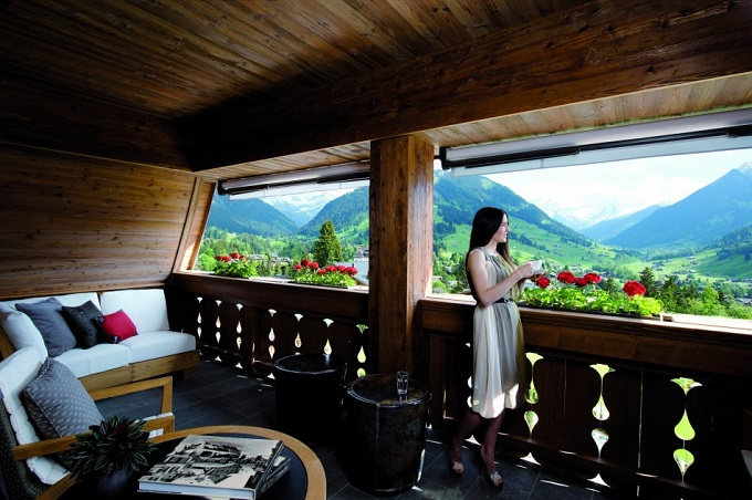 Das Schweizer Luxushotel Alpina Gstaad  Die besten Skigebiete der Alpen Das Schweizer Luxushotel Alpina Gstaad blick