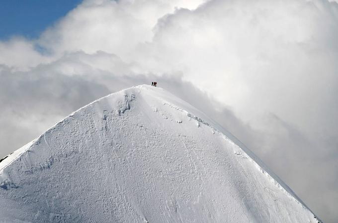 Western Breithorn. Foto: Victor Troyanov  Die wunderbaren Berglandschaften in den Alpen Die wunderbare Berglandschaftden in den Alpen Western Breithorn