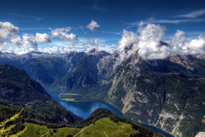 Die Reise in die Alpen  Die Reise in die Alpen Wohnen mit Klassikern 50 shades of grey Premiere