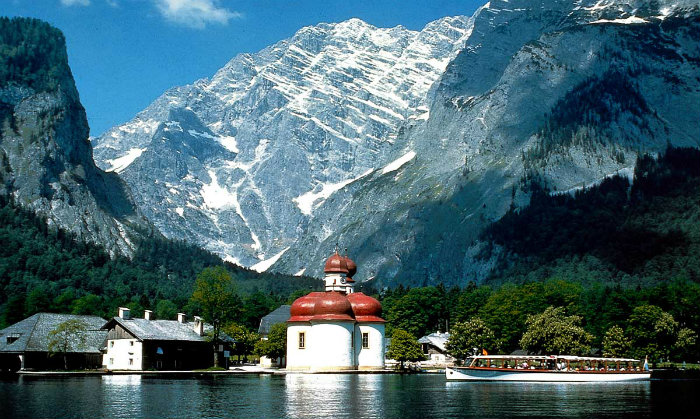 Die Reise in die Alpen  Die Reise in die Alpen Wohnen mit Klassikern 50 shades of grey images