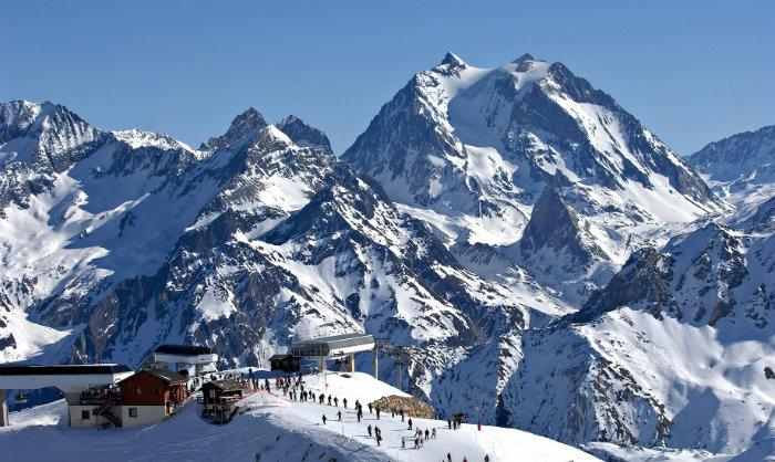 Die Reise in die Alpen  Die Reise in die Alpen Wohnen mit Klassikern 50 shades of grey trailer