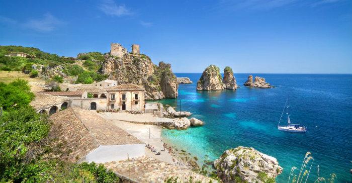wohnen-mit-klassikern-10-Sommerhäuser-für-den-Urlaub-Dolce-Vita-auf-Sizilien  10 Sommerhäuser für den Urlaub wohnen mit klassikern 10 Sommerh  user f  r den Urlaub Dolce Vita auf Sizilien