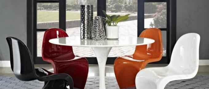 wohnen-mit-klassikern-Klassisch-wohnen-Panton-Stuhl-verner-panton