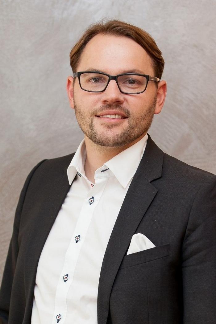 Marcus Egger ist seit 1997 ausgebildeter und geprüfter Interior-Designer  TOP 15 Luxusmöbelhaus in Deutschland Eggers Einrichten