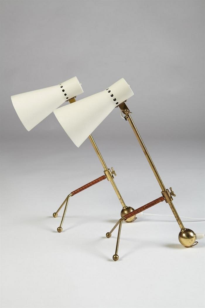 Auf jeden Fall, Weiß und Gold ist das neue Schwarz. Diese Retro-Tischlampen sind eine gute Option für Ihren Schreibtisch oder Nachttisch.  Top 10 Tischlampen für ein klassisches Wohnzimmer Design 1