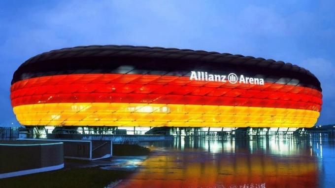 Allianz-Arena-München_München_die_Stadt_die_Innenarchitektur_und_Kunst_verschmelzt  München, die Stadt die Innenarchitektur und Kunst verschmelzt Allianz Arena M  nchen M  nchen die Stadt die Innenarchitektur und Kunst verschmelzt