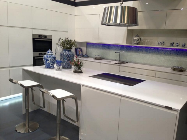 Wohnen & Interieur Wien bringt Frühling Trends 2016  Wohnen & Interieur Wien bringt Frühling Trends 2016 From simple low cost kitchens to the cool luxury models