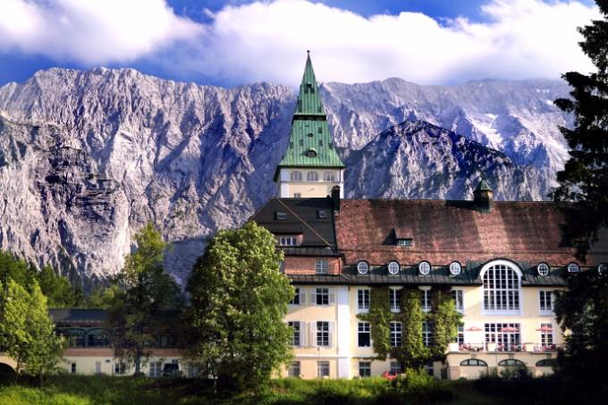 Top 10 Luxus Resorte für den perfekten Urlaub luxus resorte Top 10 Luxus Resorte für den perfekten Urlaub ElmauSchloss