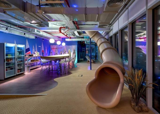 So lebt und arbeitet man im Google Hauptsitz google hauptsitz So lebt und arbeitet man im Google Hauptsitz google tel aviv office interior  dezeen ban
