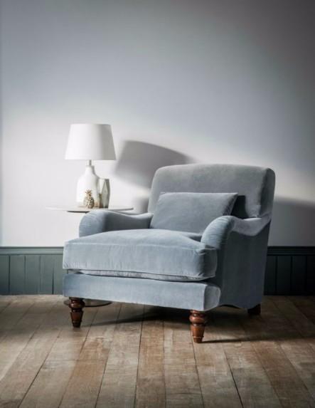 10 erstaunliche samt st hle f r kleine wohnzimmer wohnen mit klassickern. Black Bedroom Furniture Sets. Home Design Ideas