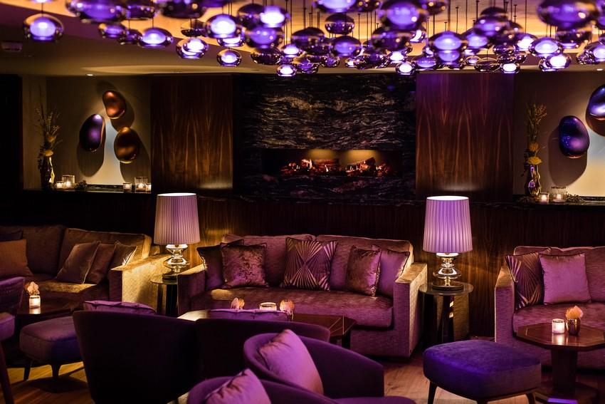 Nikkei Nine Hamburg - Die vornehmste Fusionsküche und Innenarchitektur fusionsküche NIKKEI NINE HAMBURG – DIE VORNEHMSTE FUSIONSKÜCHE UND INNENARCHITEKTUR Fairmont Hotel Vier Jahreszeiten Hamburg NIKKEI NINE Lounge 1    Guido Leifhelm
