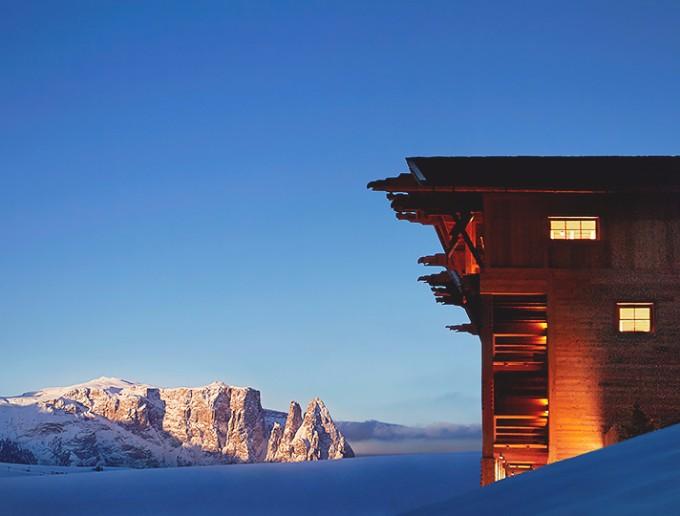 luxus chalets Atemberaubende Luxus Chalets für Winterurlaub in der Natur adlermountainlodge21