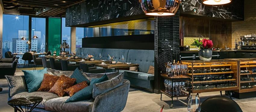 restaurant design 5 Unglaubliche Restaurant Design Projekte skykitchen restaurant berlin interior view 5